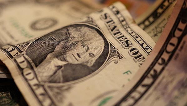 Курс американской валюты к иене обновил минимум с осени 2014 года