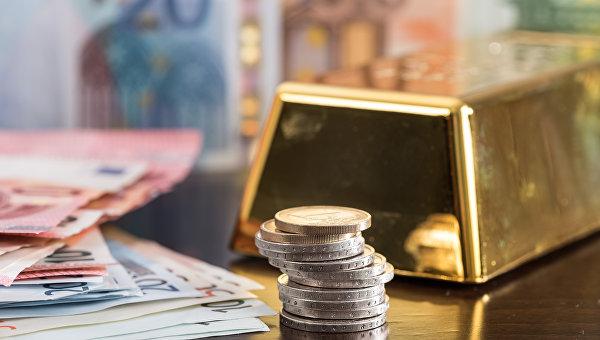 Падает стоимость золота перед оглашением результатов собрания  ФРС США