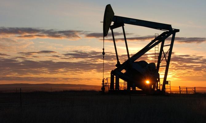 На фоне событий в еврозоне дешевеет нефть.