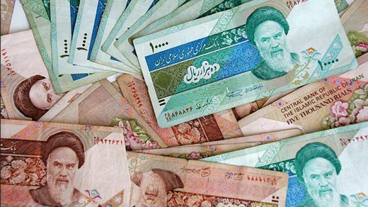 Иранские власти полностью отказались от использования доллара